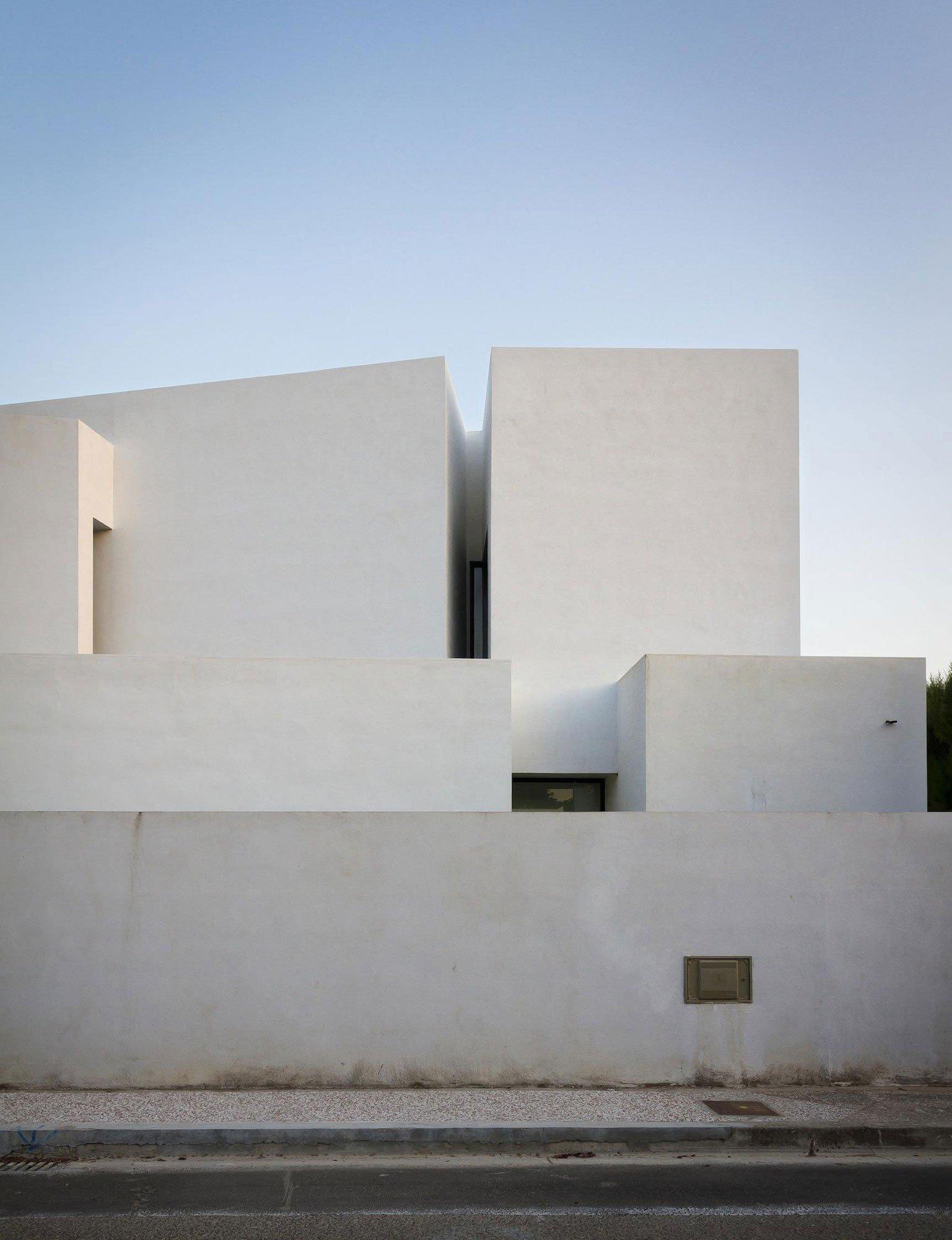 Aviles-Ramos-Residence-05