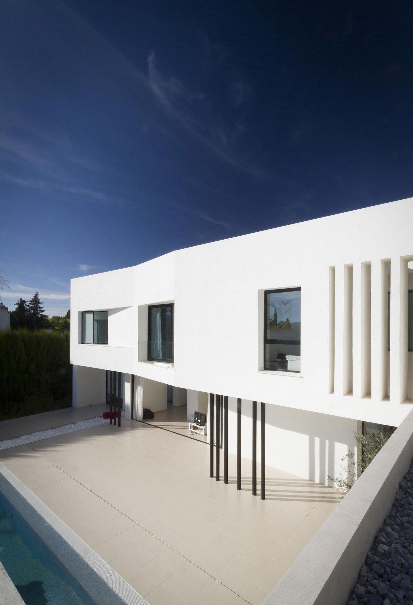 Aviles-Ramos-Residence-07