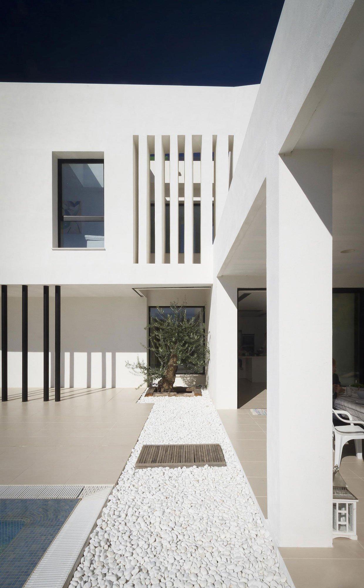 Aviles-Ramos-Residence-10