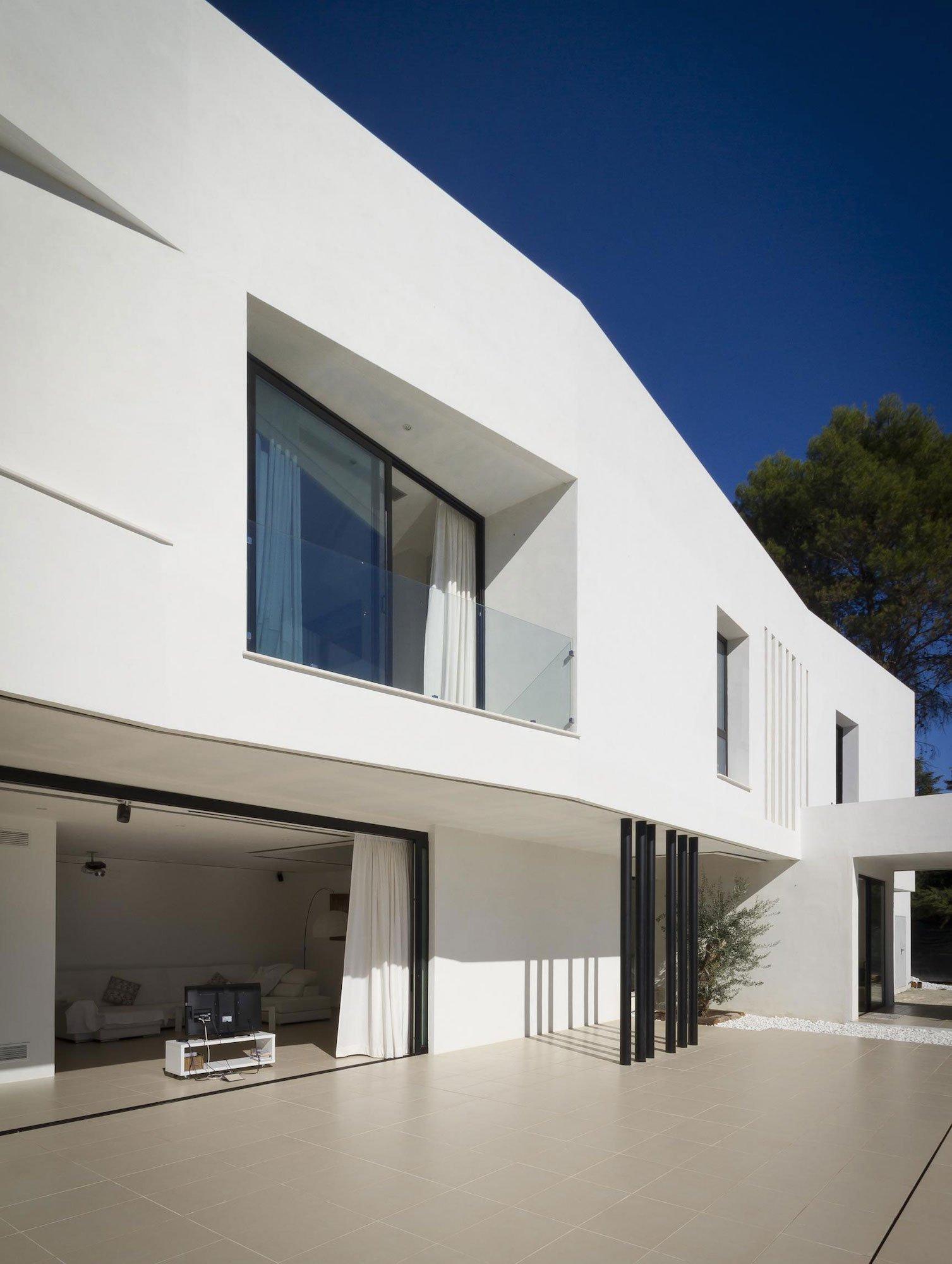 Aviles-Ramos-Residence-11
