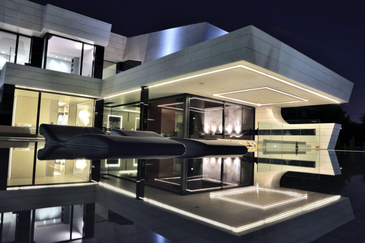 Balcony-House-17
