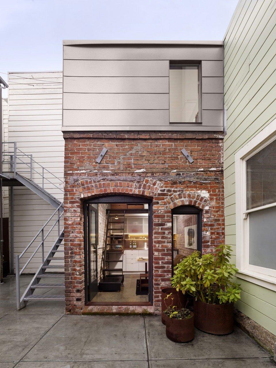 Brick-House-03