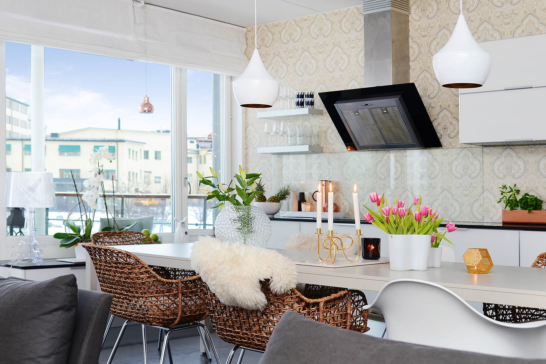 Bright-Two-Bedroom-Aparment-02