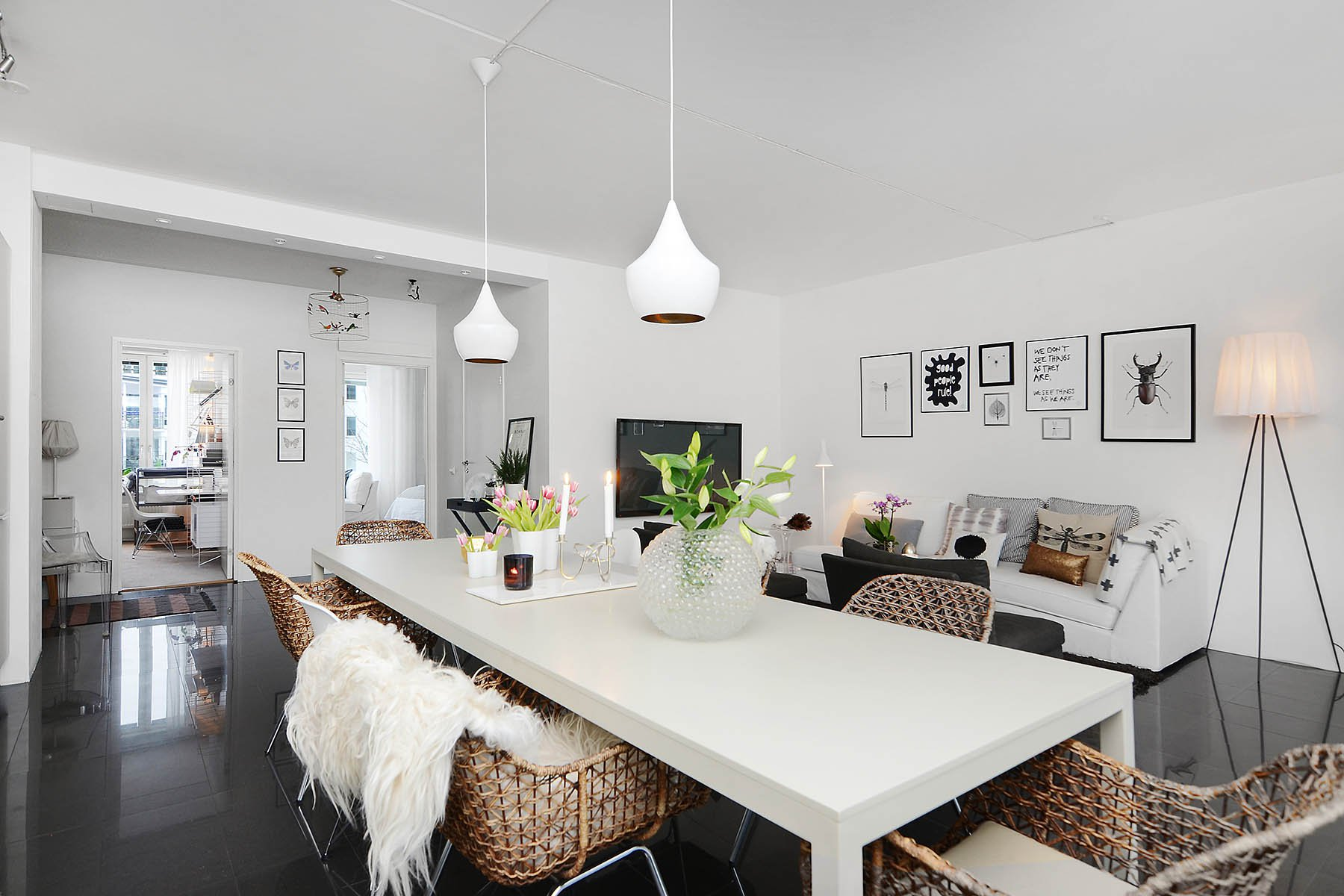 Bright-Two-Bedroom-Aparment-04