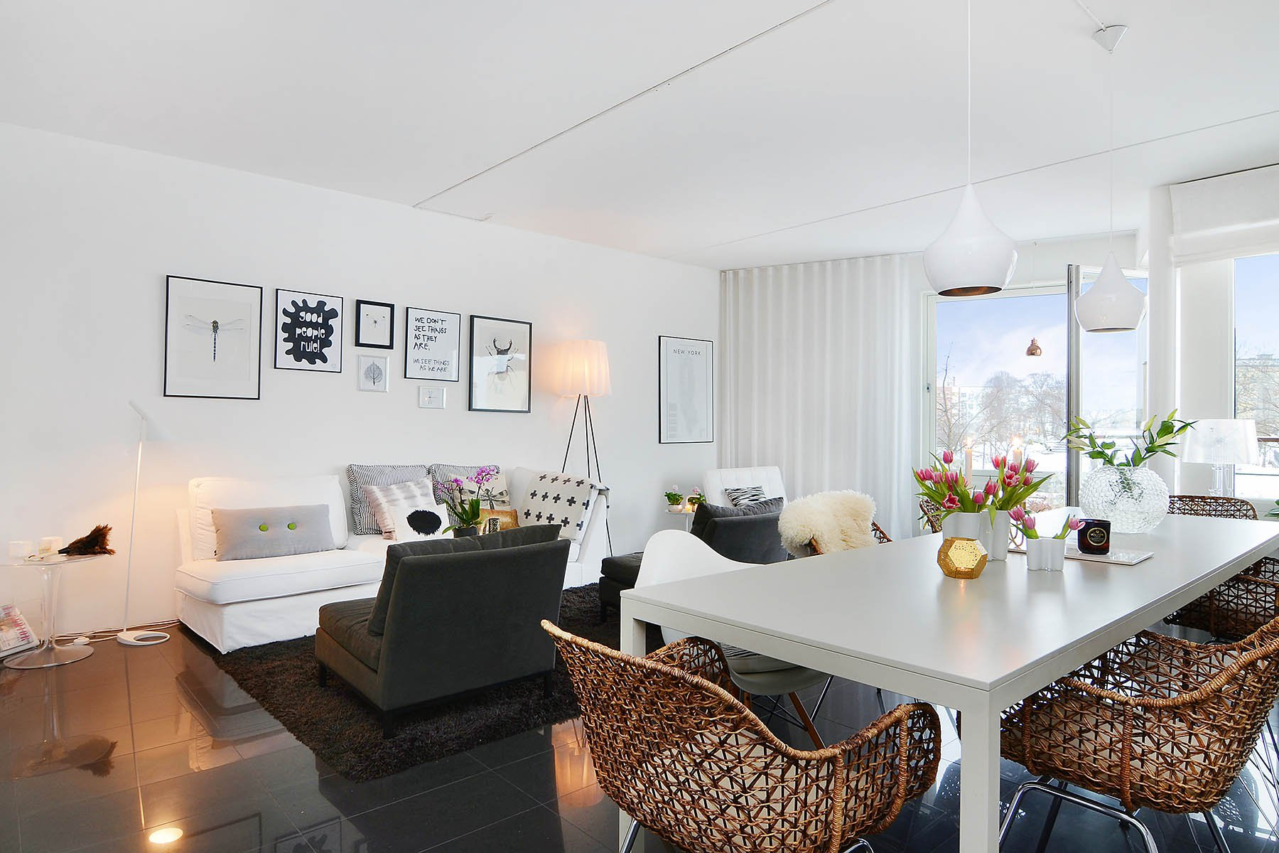 Bright-Two-Bedroom-Aparment-05