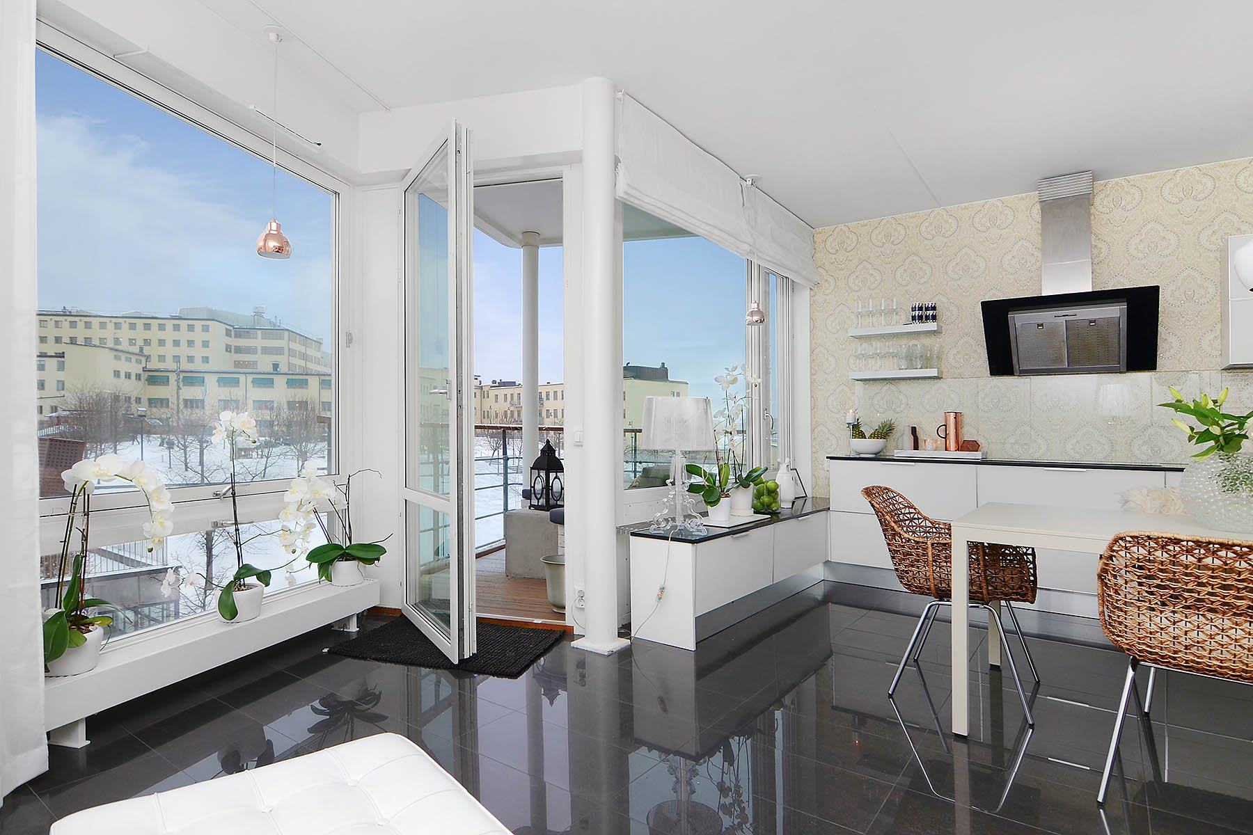 Bright-Two-Bedroom-Aparment-06