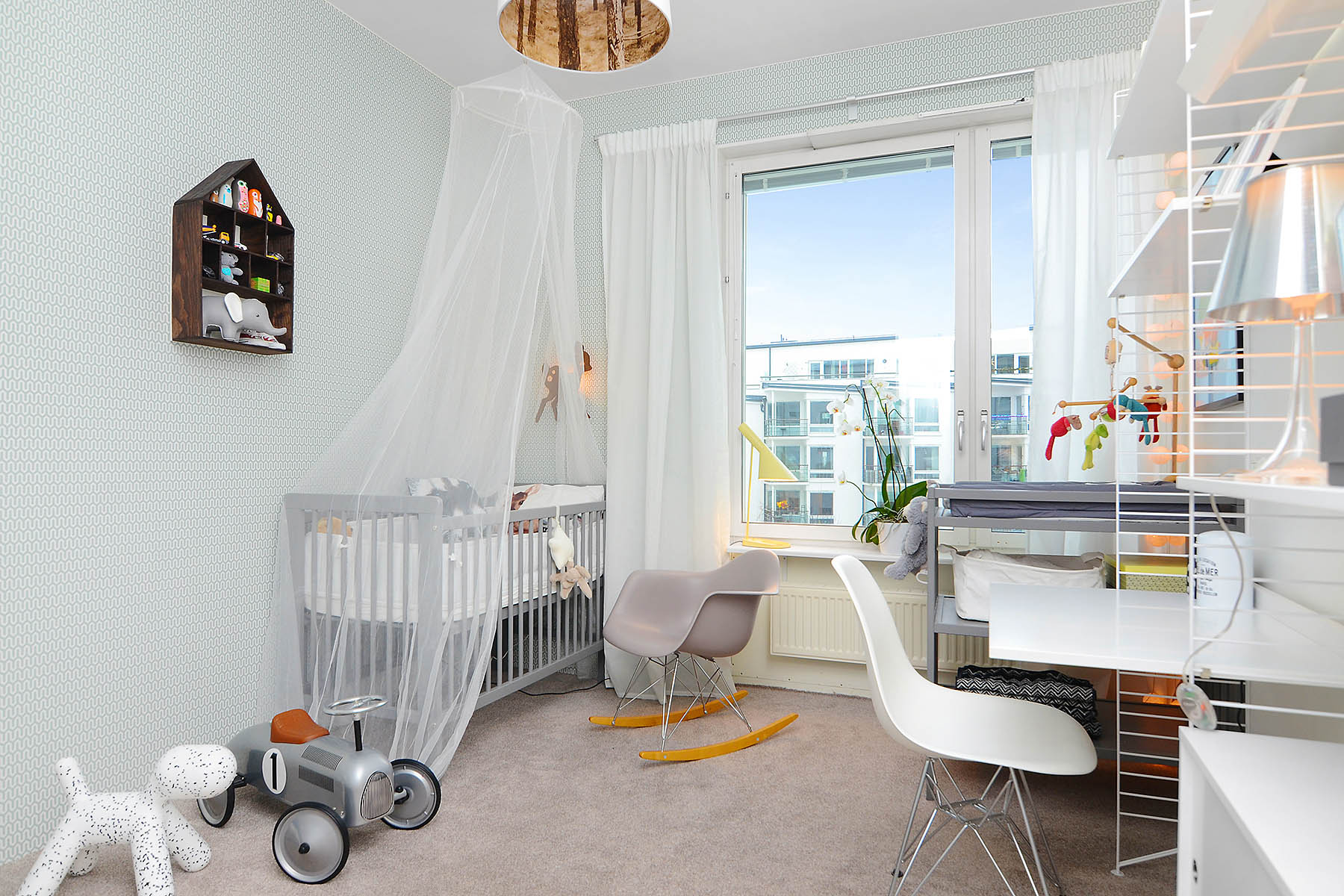Bright-Two-Bedroom-Aparment-11