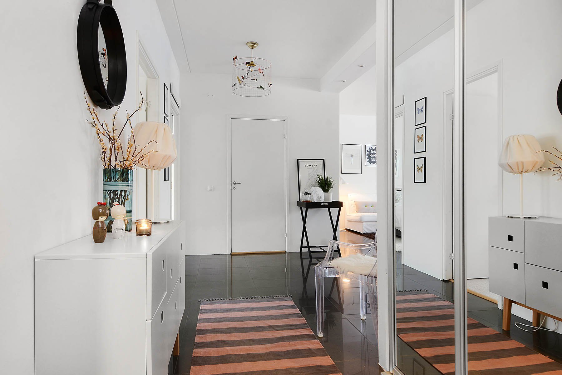 Bright-Two-Bedroom-Aparment-13