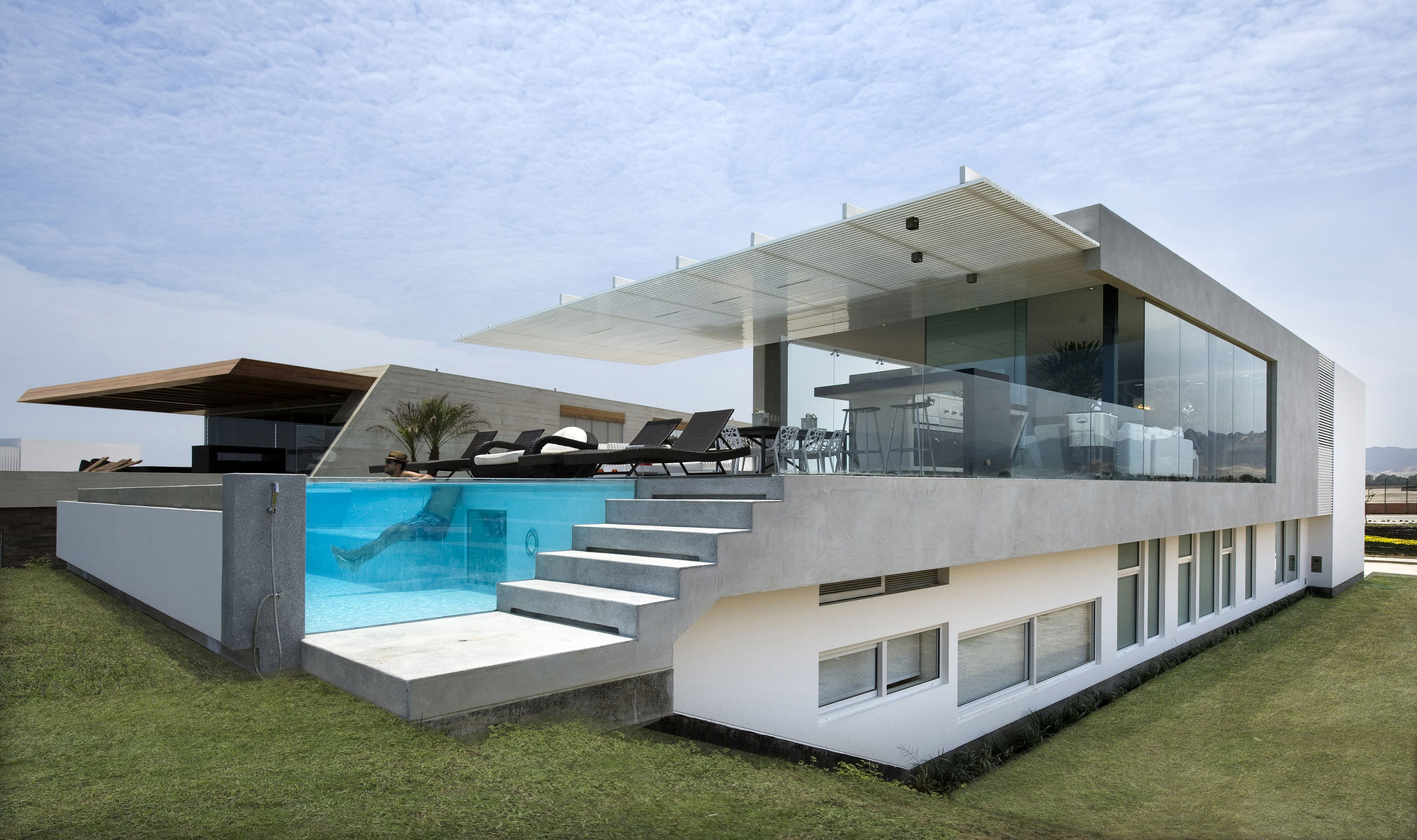 Casa v by estudio 6 arquitectos caandesign for Villa de luxe contemporaine