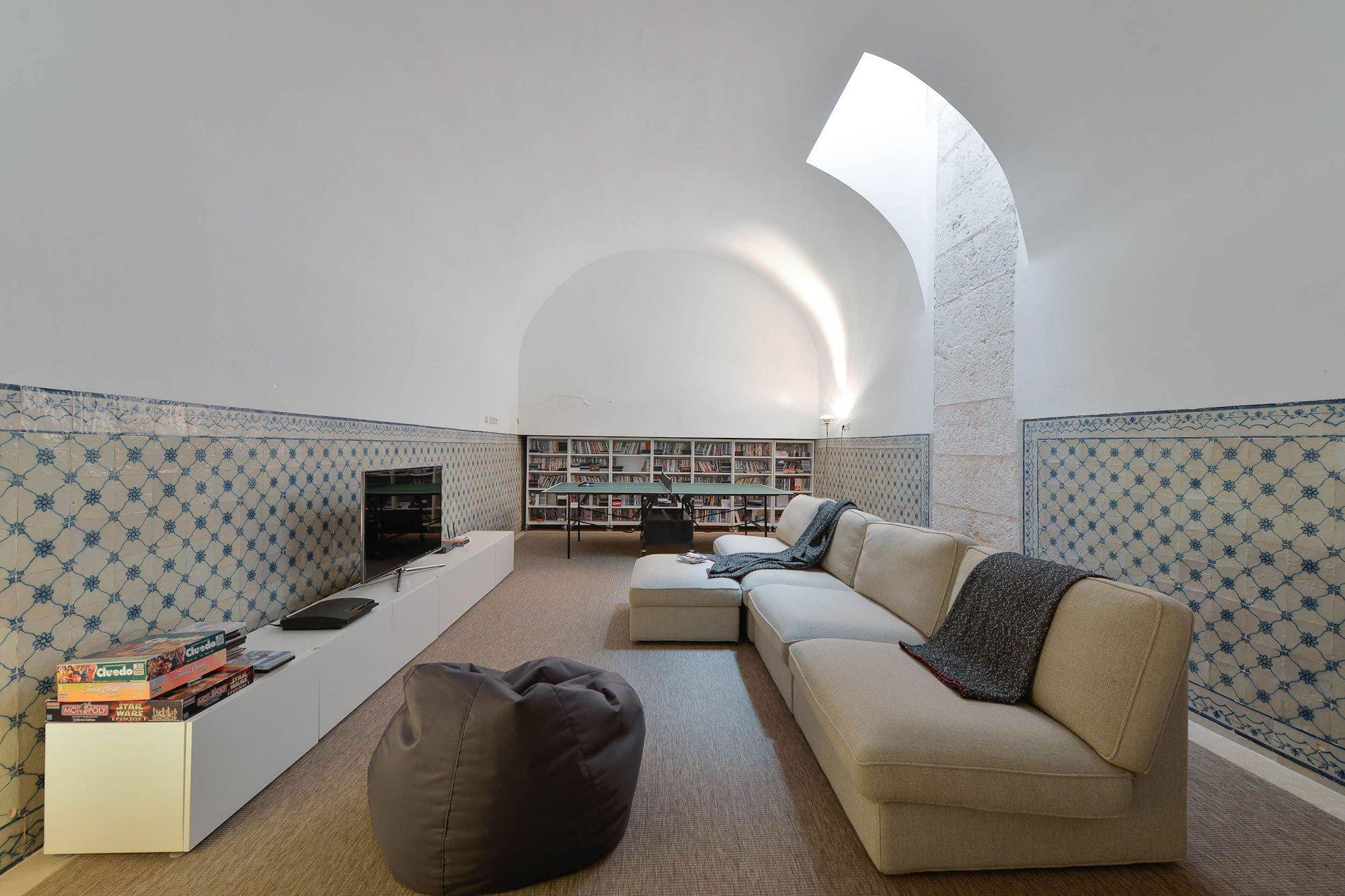 Casa na Rua de São Mamede ao Caldas by Aires Mateus Arquitectos
