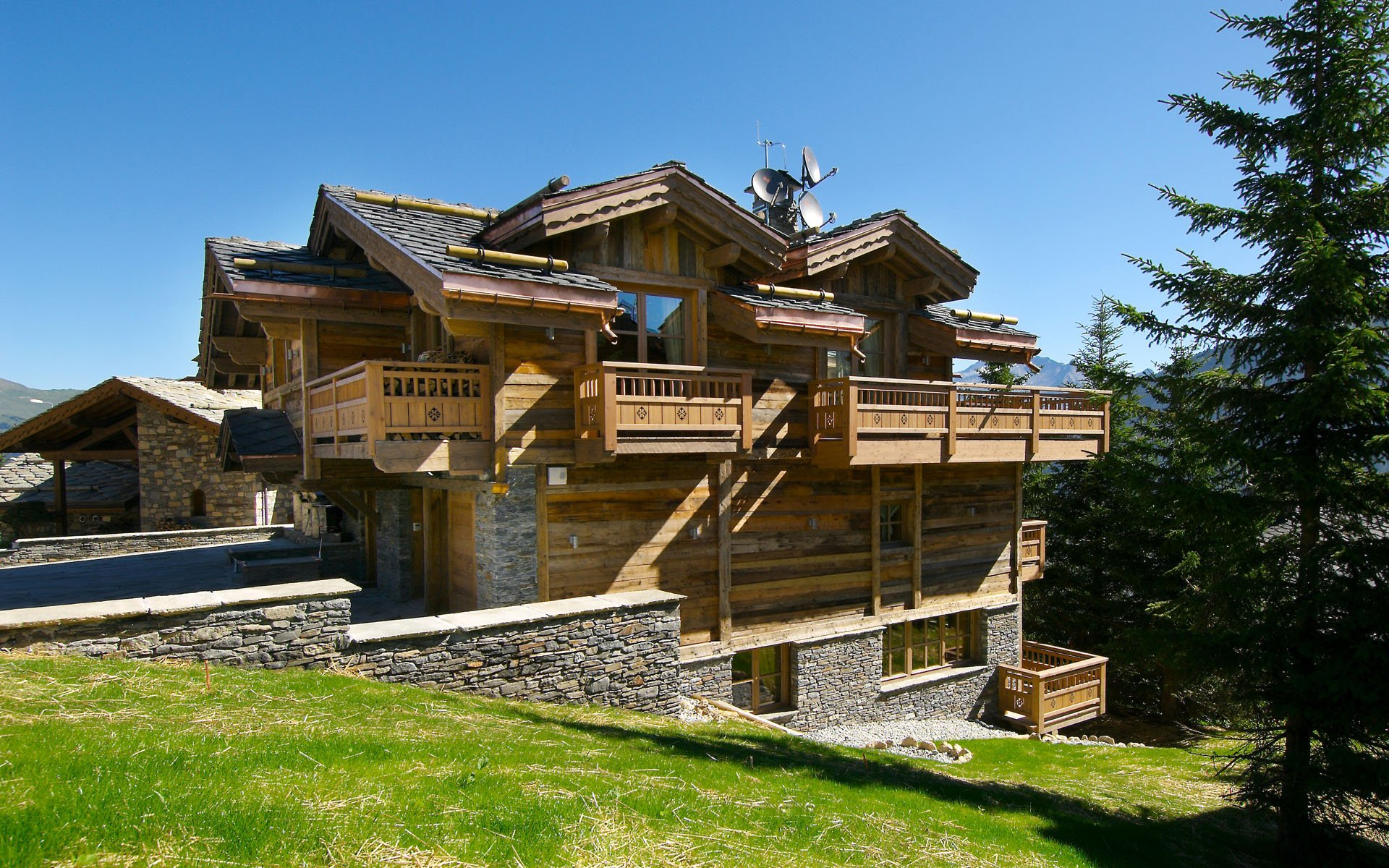 Chalet-Pearl-00
