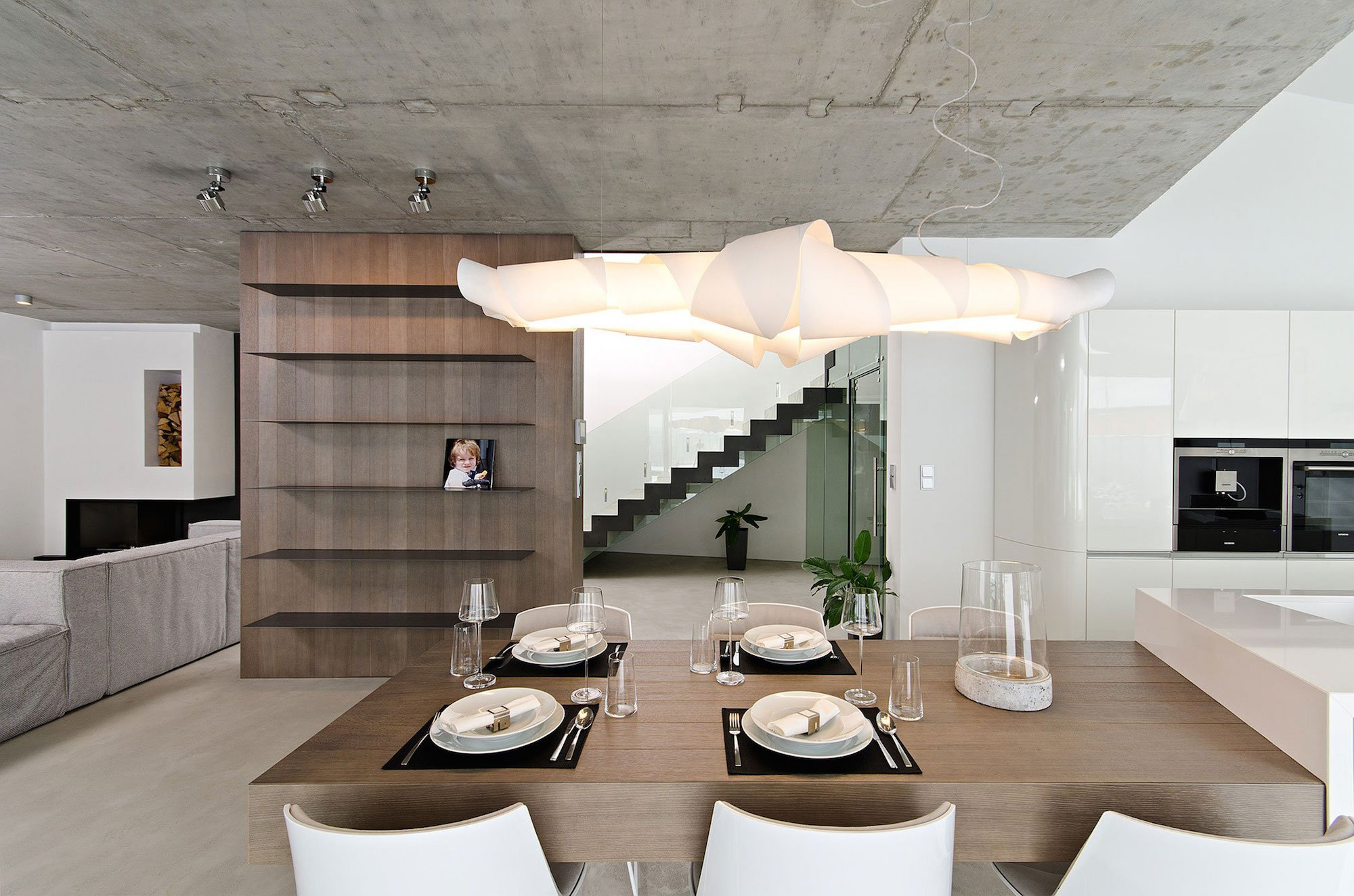 Concrete interior by oooox