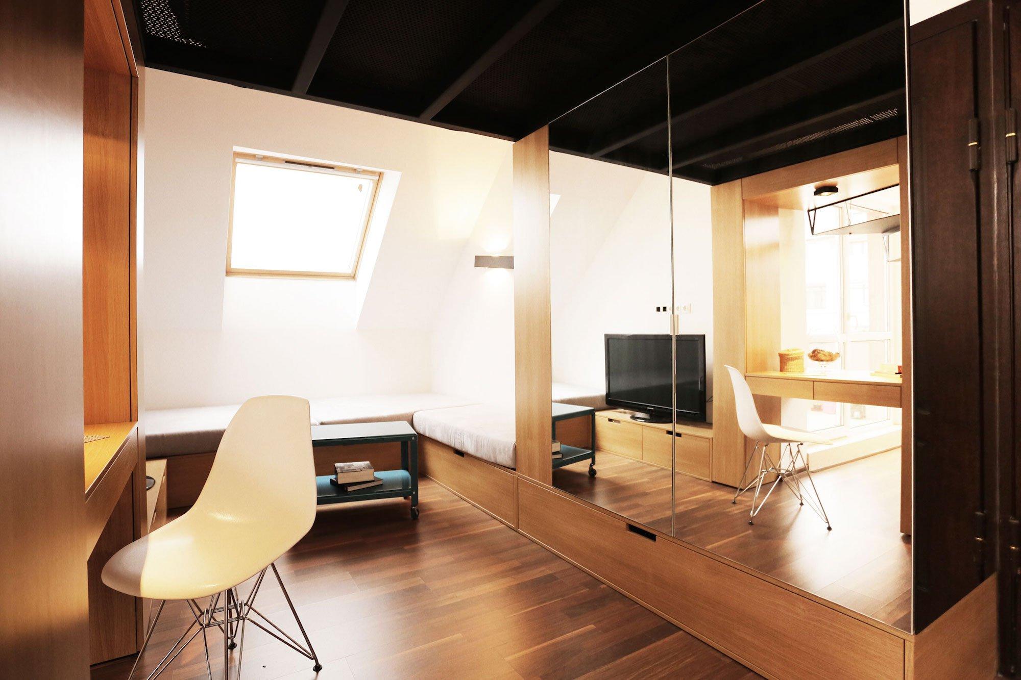 Contemporary-Apartment-01