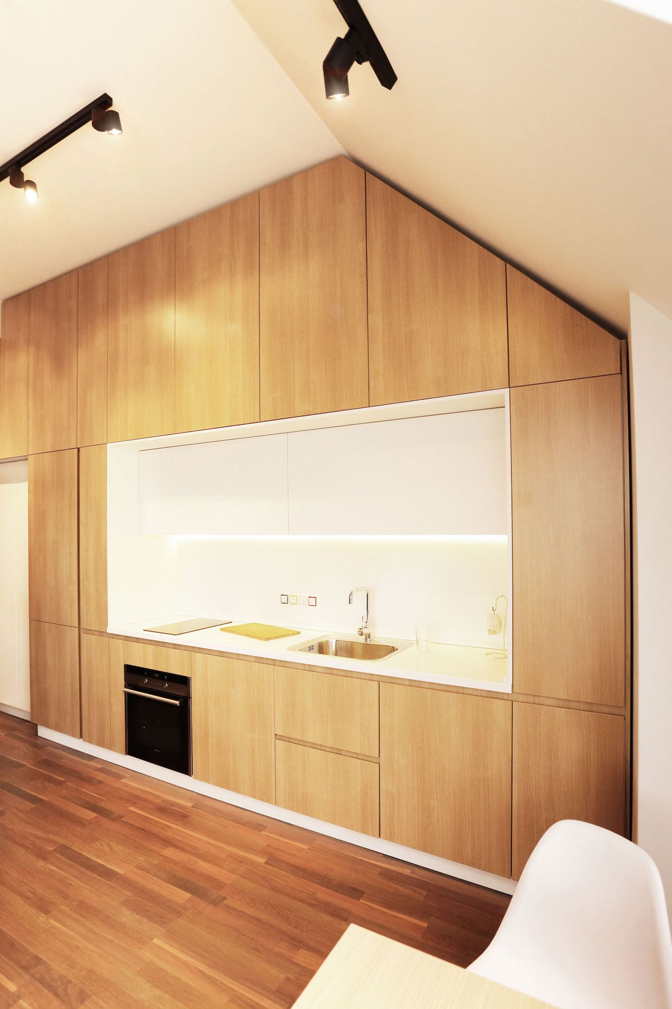 Contemporary-Apartment-05