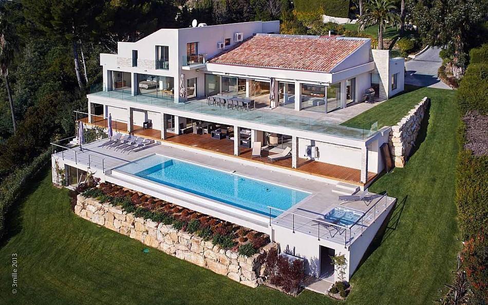 Contemporary-Estate-in-Super-Cannes-01