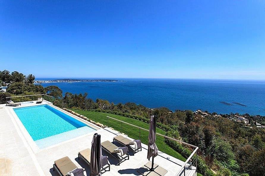 Contemporary-Estate-in-Super-Cannes-02
