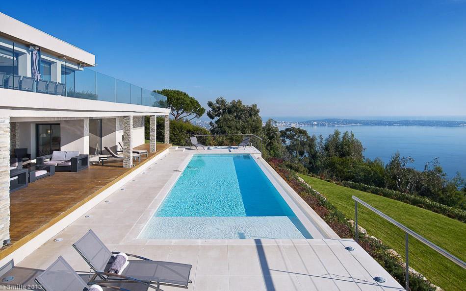 Contemporary-Estate-in-Super-Cannes-03