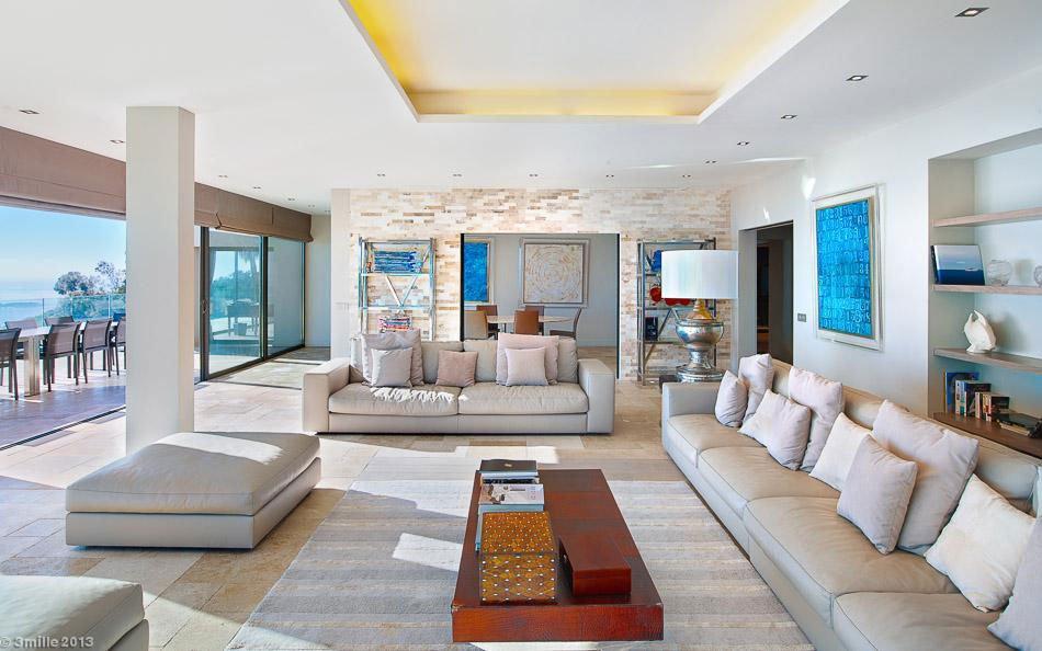 Contemporary-Estate-in-Super-Cannes-15