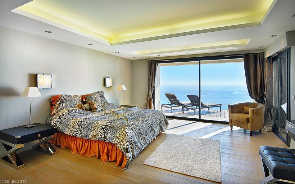 Contemporary-Estate-in-Super-Cannes-19