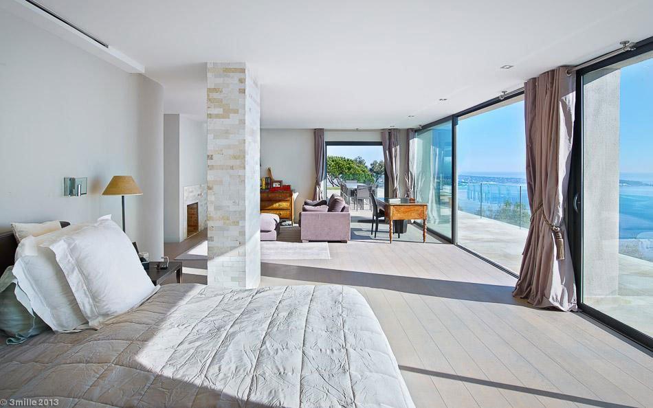 Contemporary-Estate-in-Super-Cannes-20