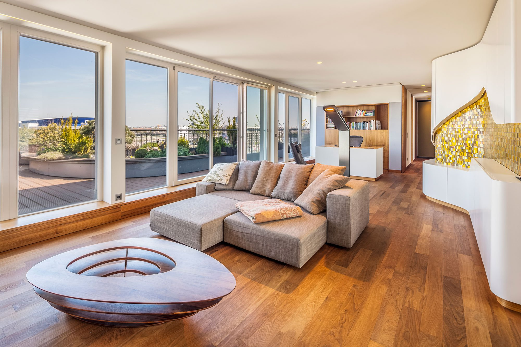 Penthouse Right On The River Spree in Berlin