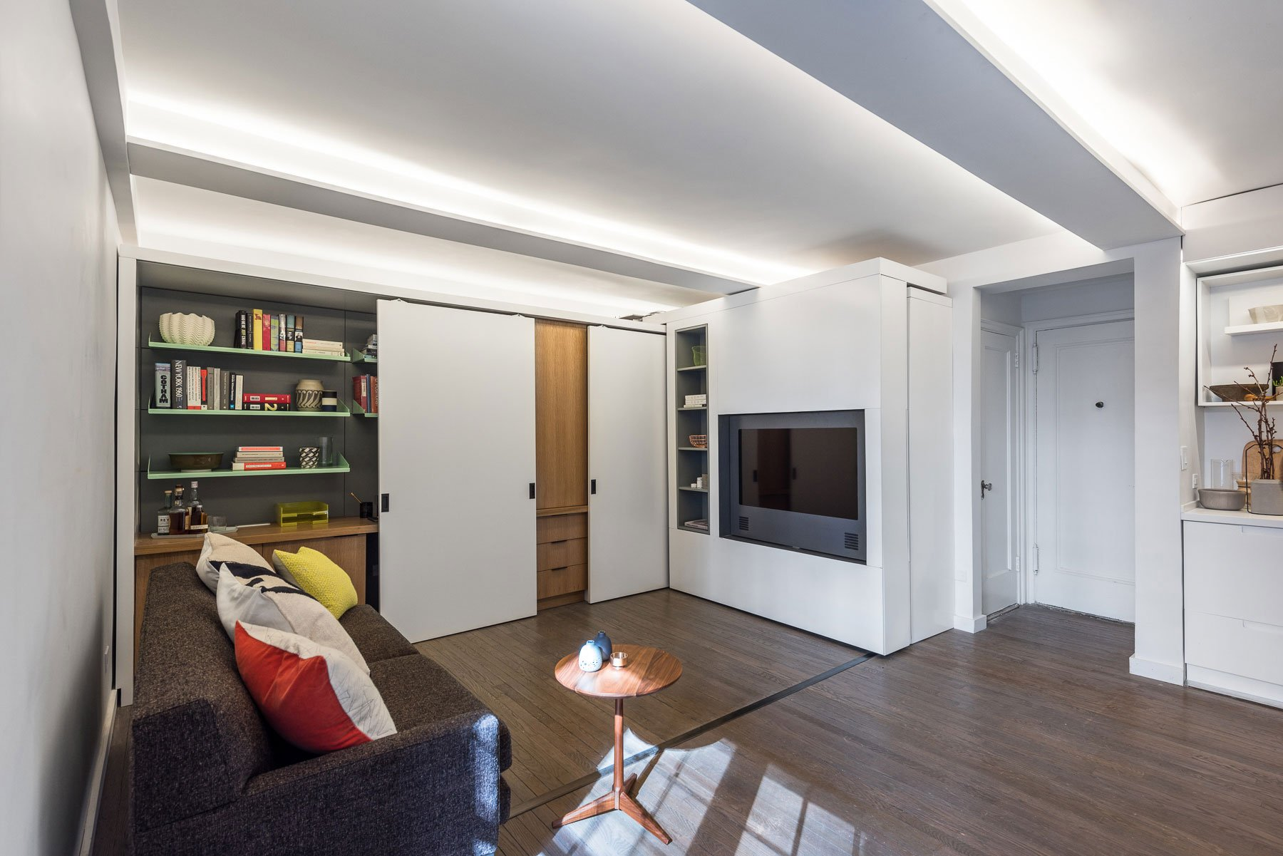Five-to-One-Apartment-02