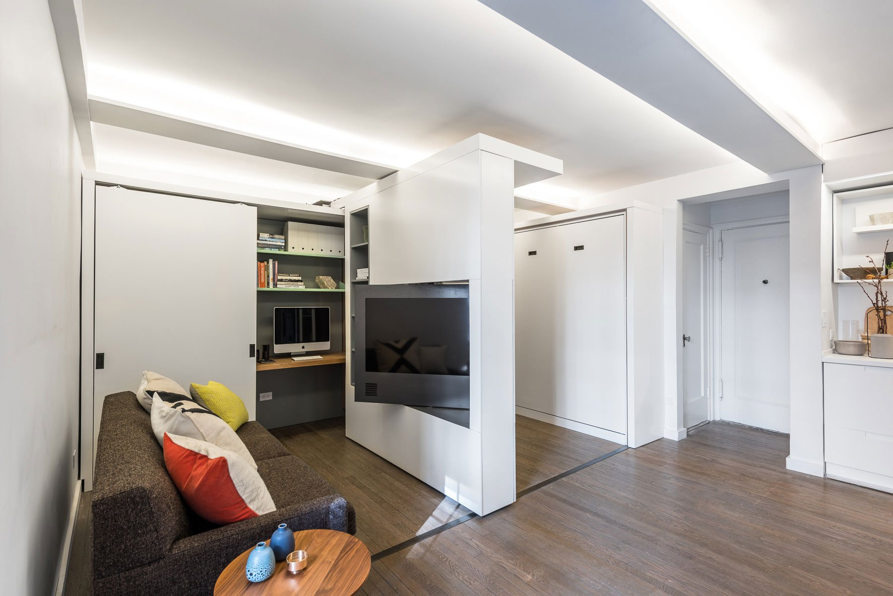 Five-to-One-Apartment-04