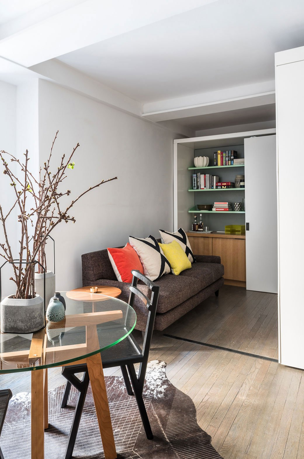 Five-to-One-Apartment-08