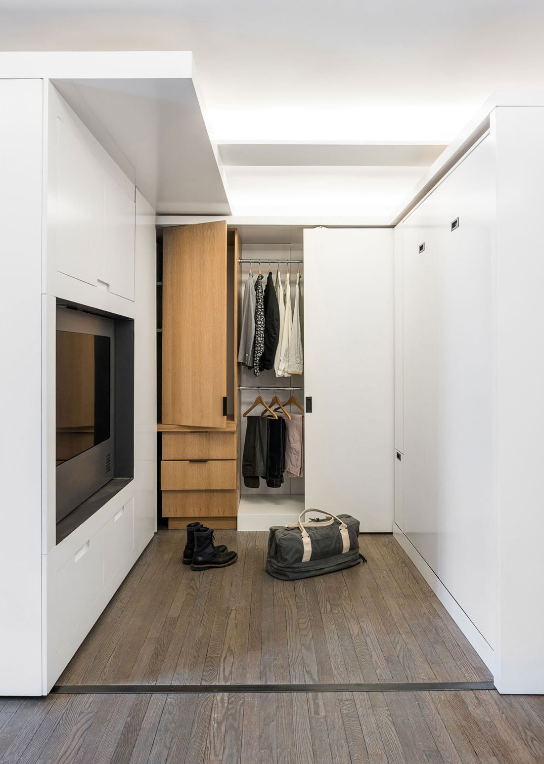 Five-to-One-Apartment-09