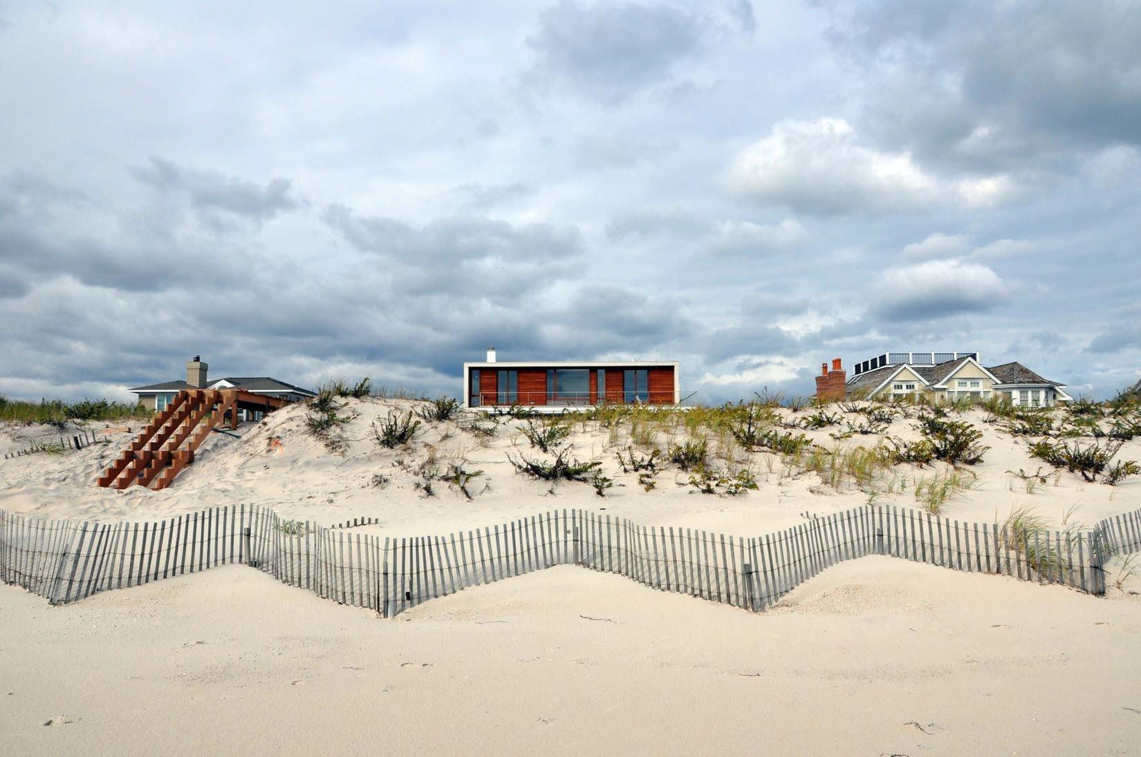Hamptons-Beach-House-01