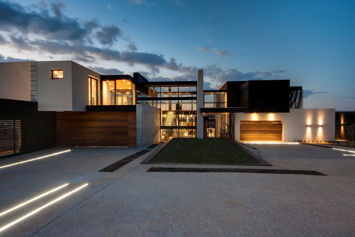 House boz by nico van der meulen architects caandesign for Large modern homes