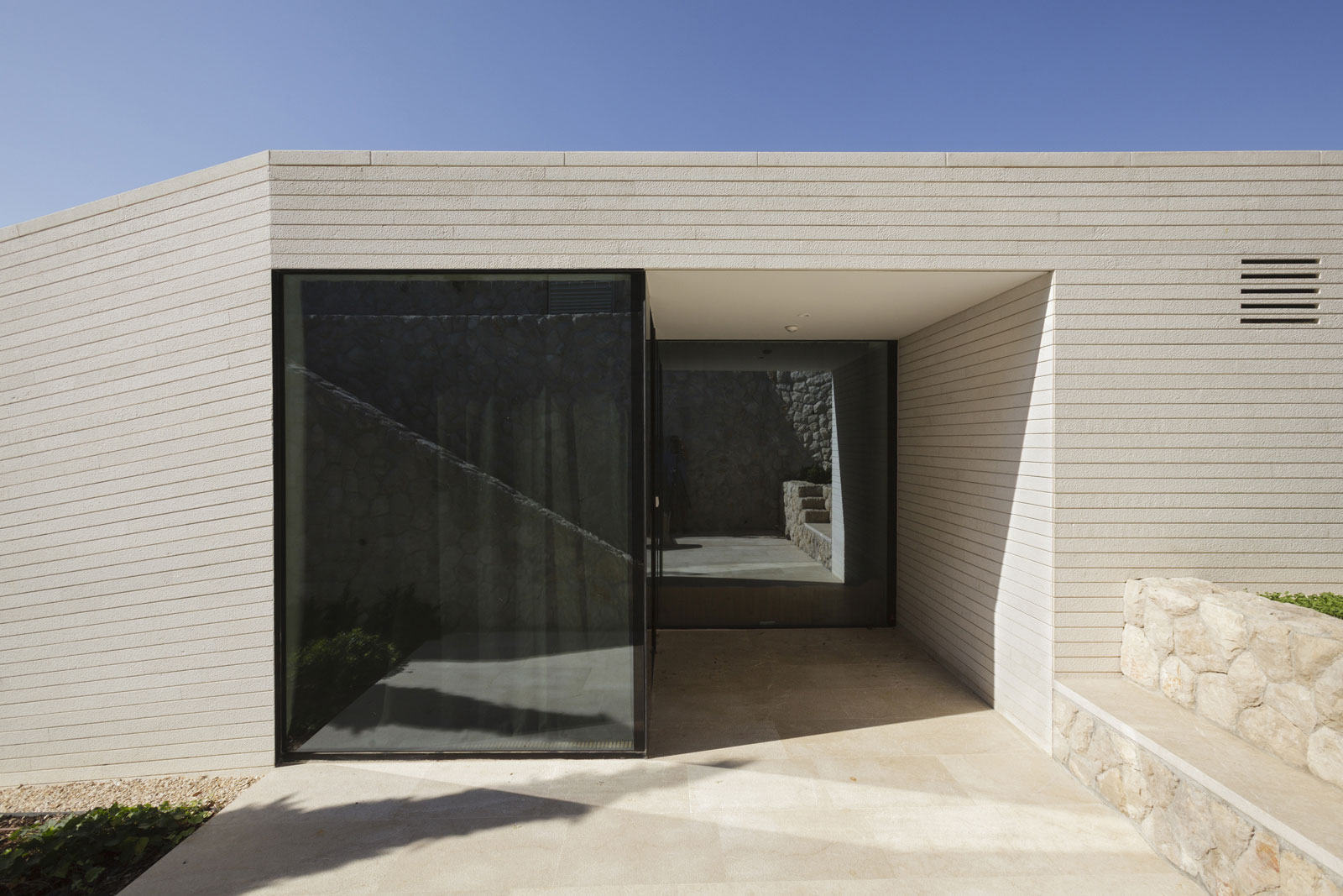 House-V2-05