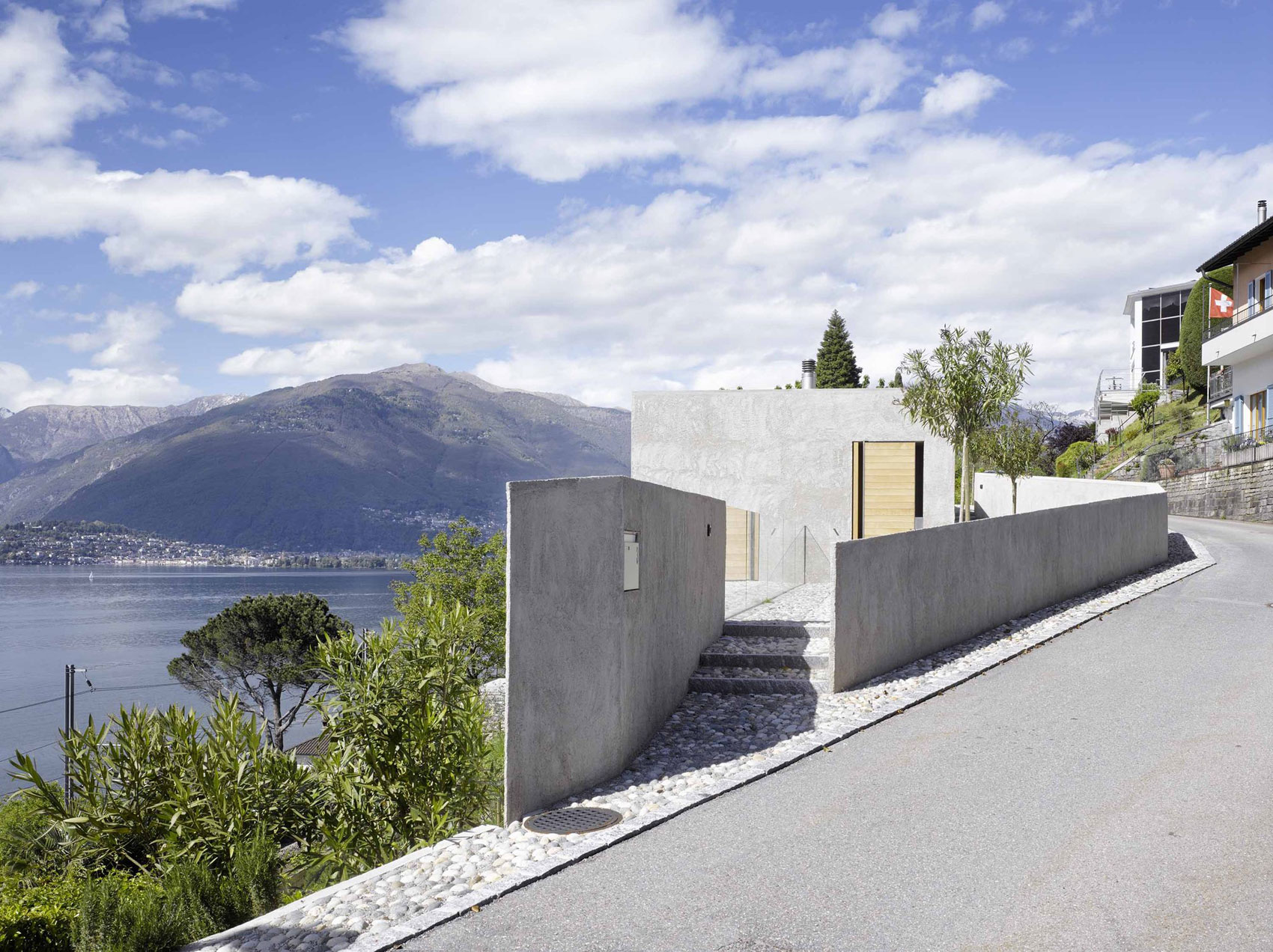 House-in-Ranzo-02