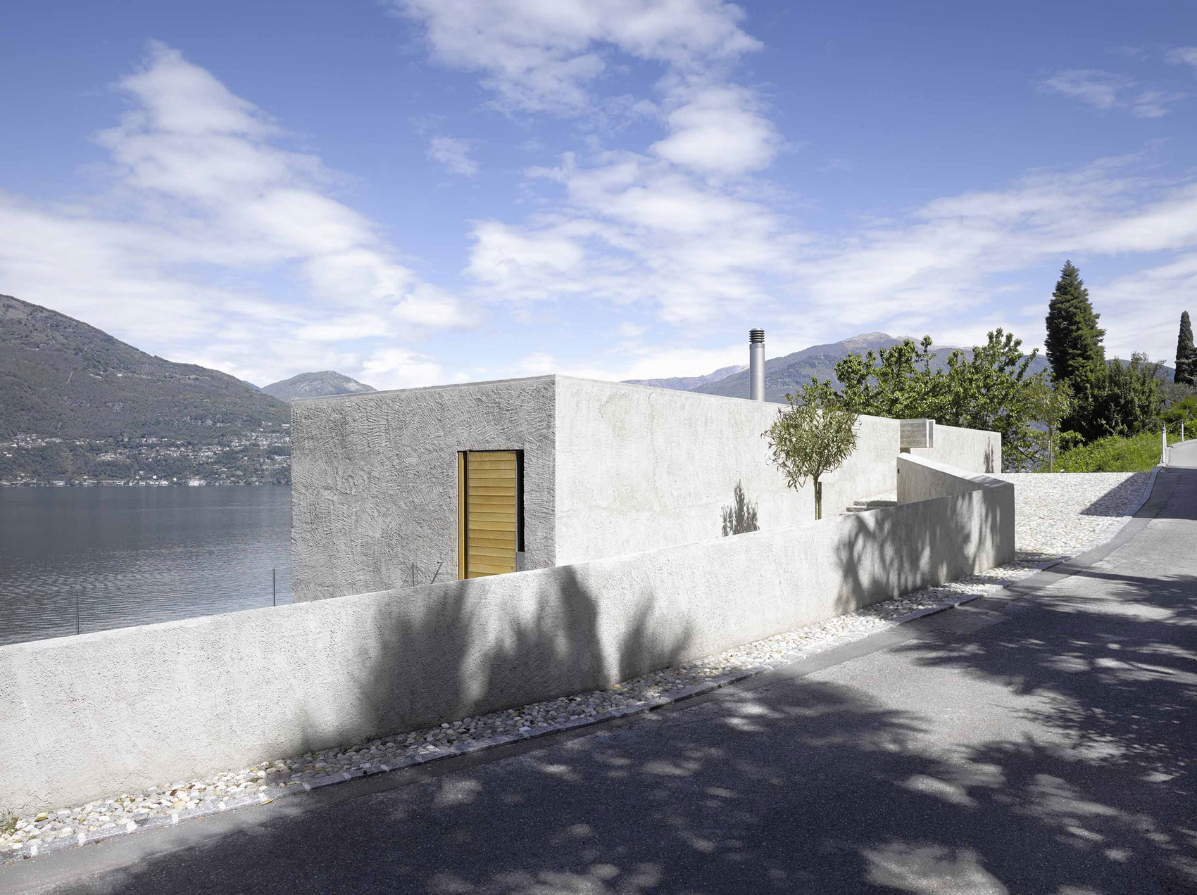 House-in-Ranzo-03