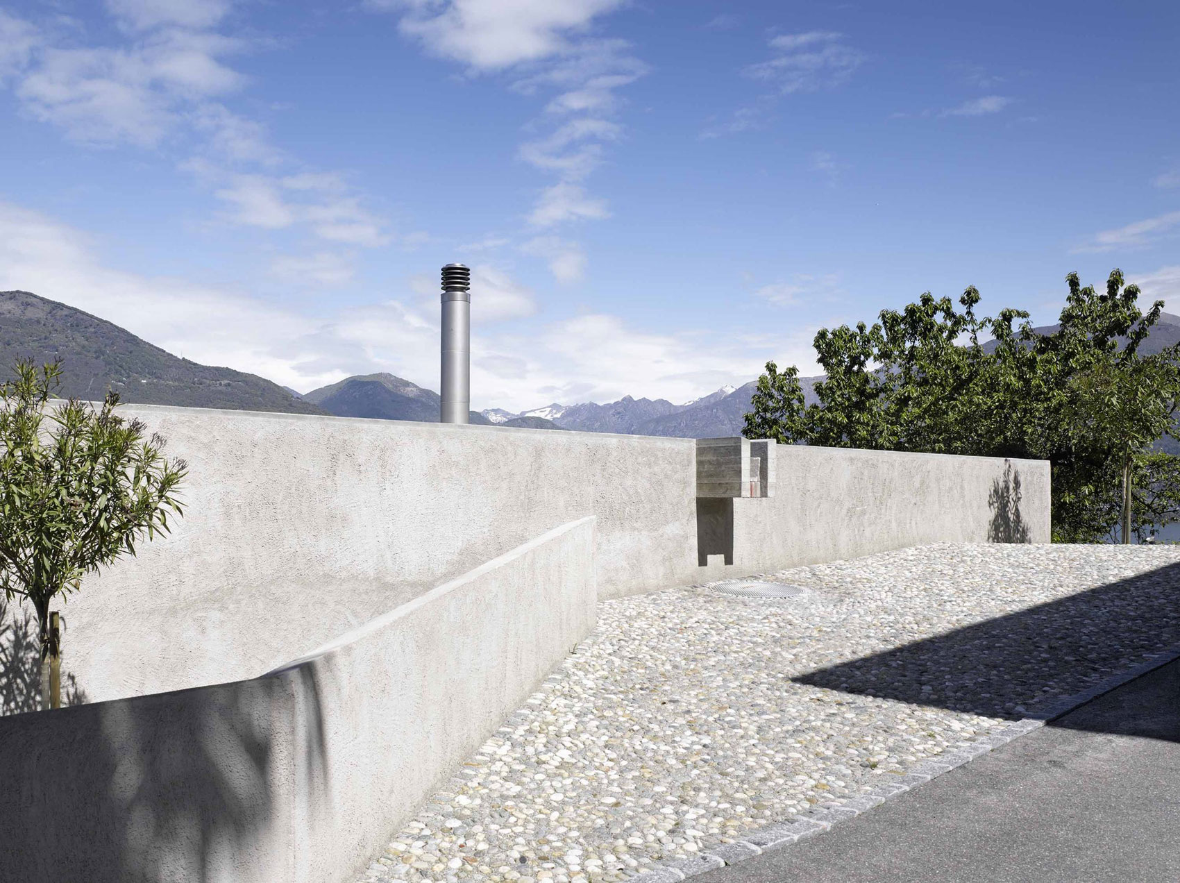 House-in-Ranzo-04
