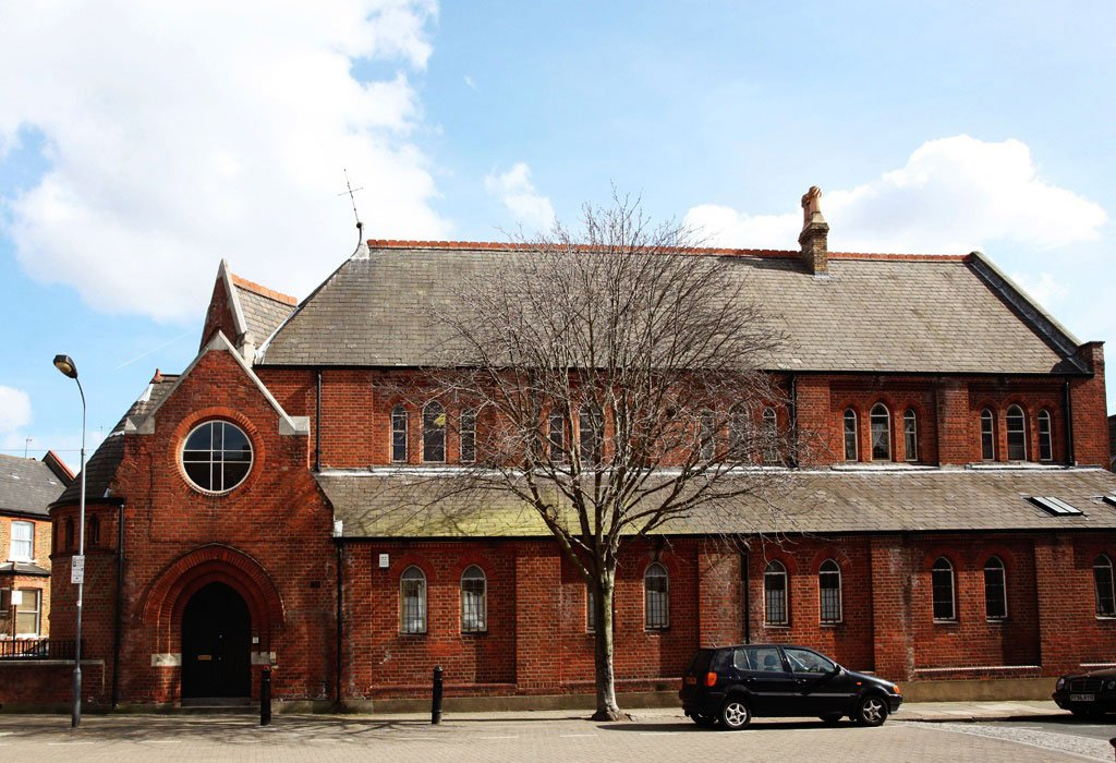 Kenmont Gardens Church Converted Residence in London-01