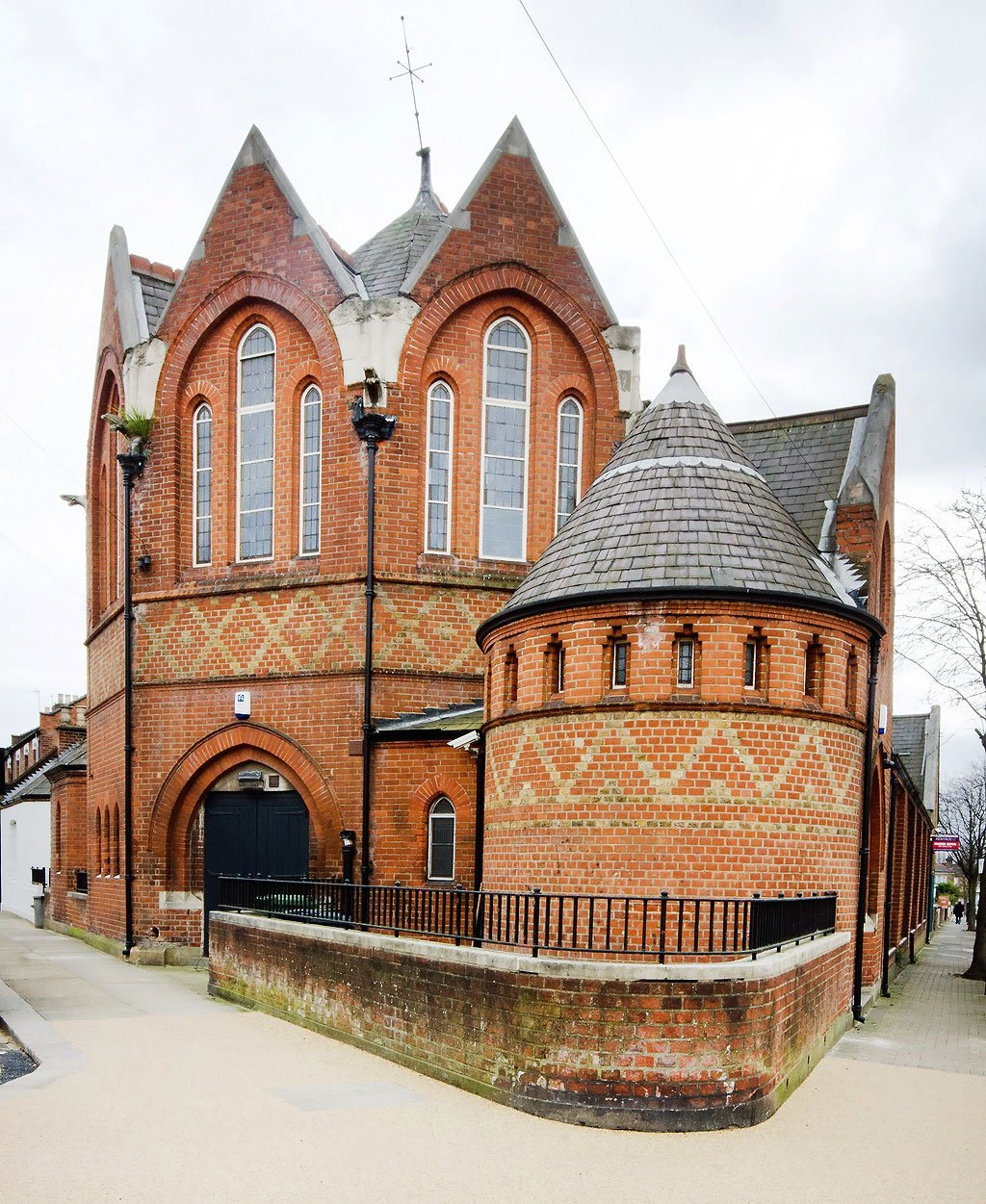 Kenmont Gardens Church Converted Residence in London-02