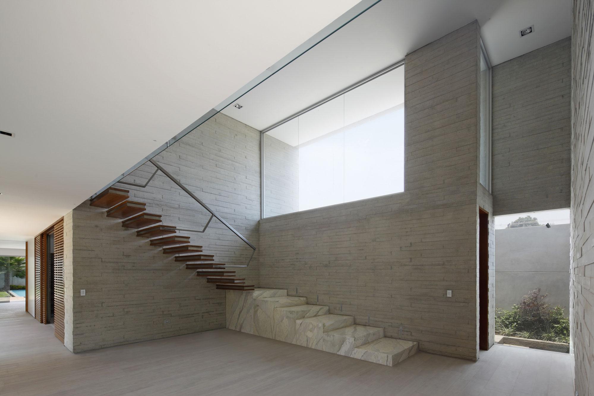 La-Planicie-House-II-14