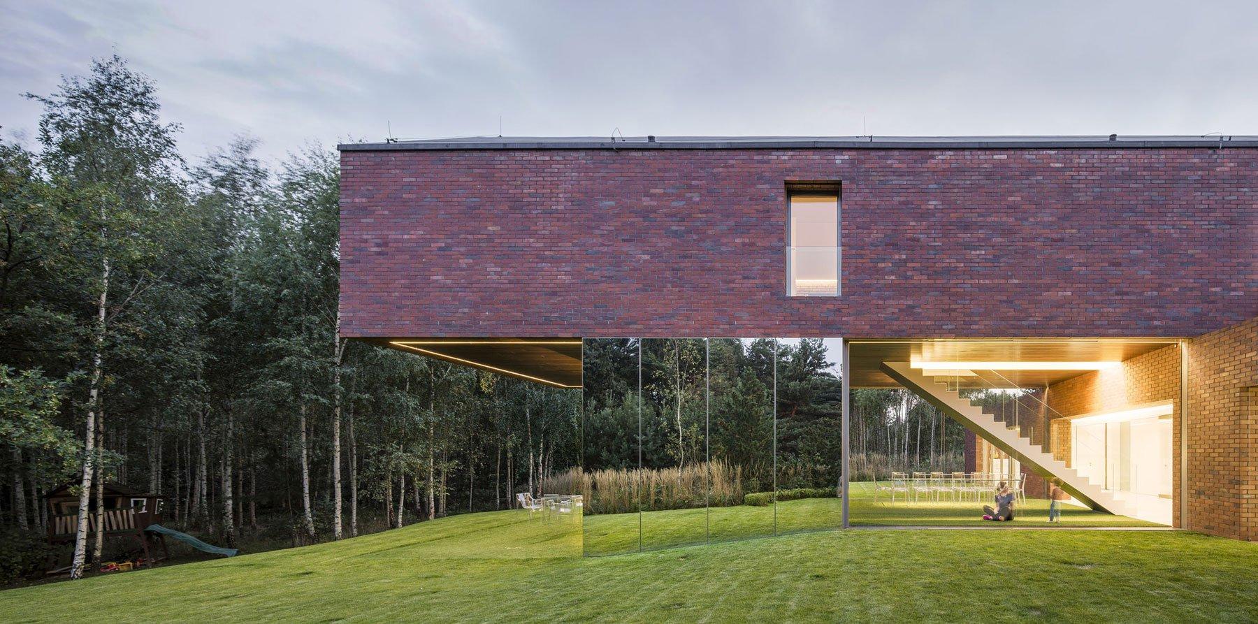 Living-Garden-House-in-Katowice-11