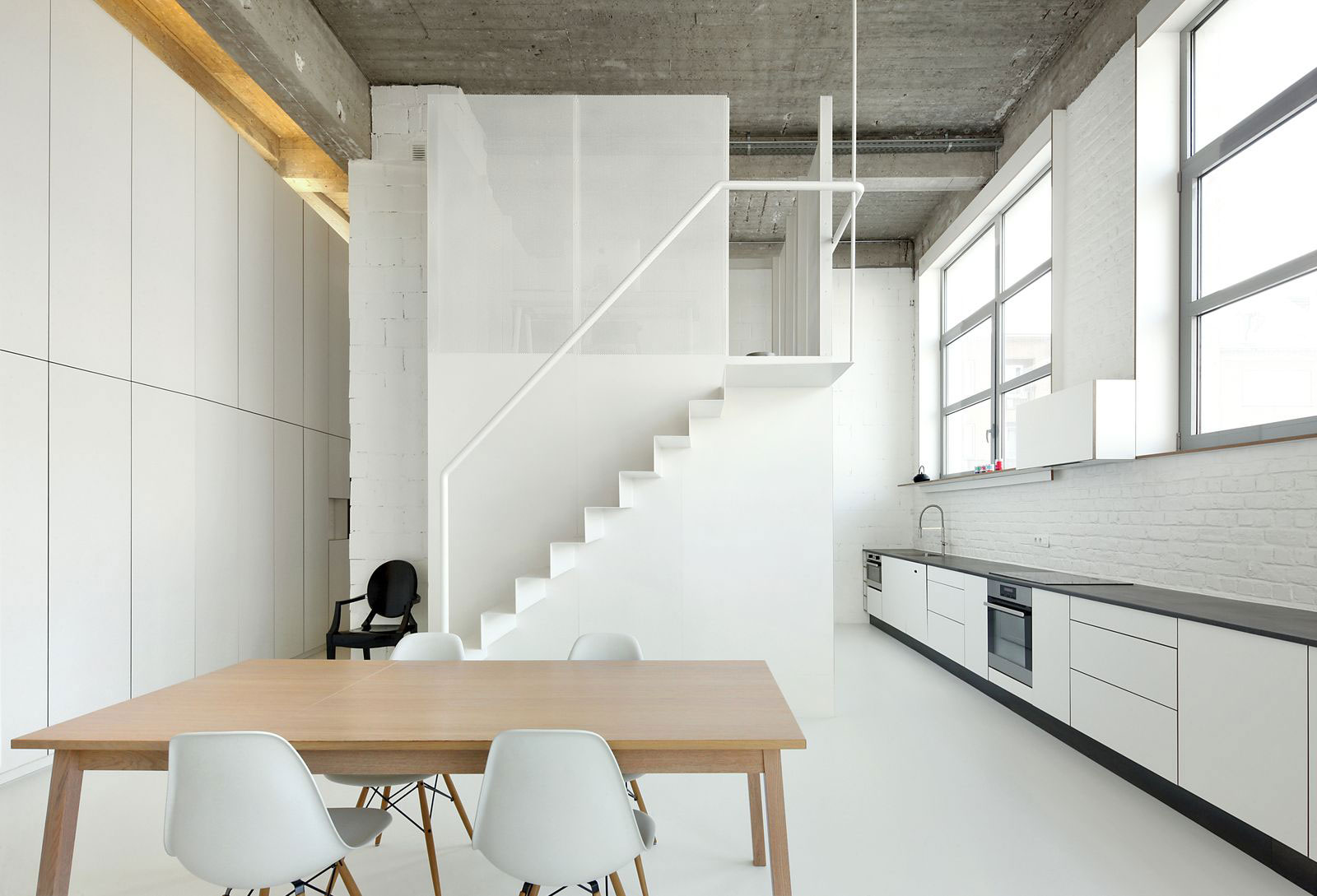 Loft apartment by adn architectures caandesign for Style minimaliste