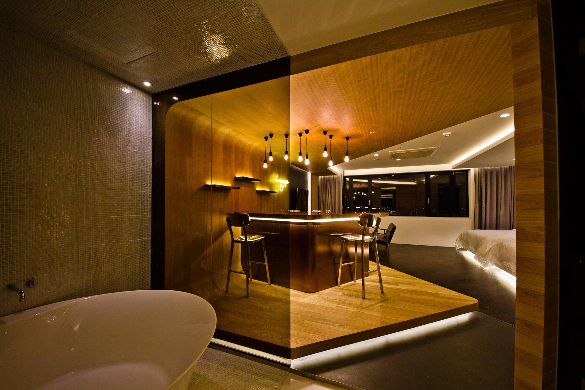 Lounge-17-08