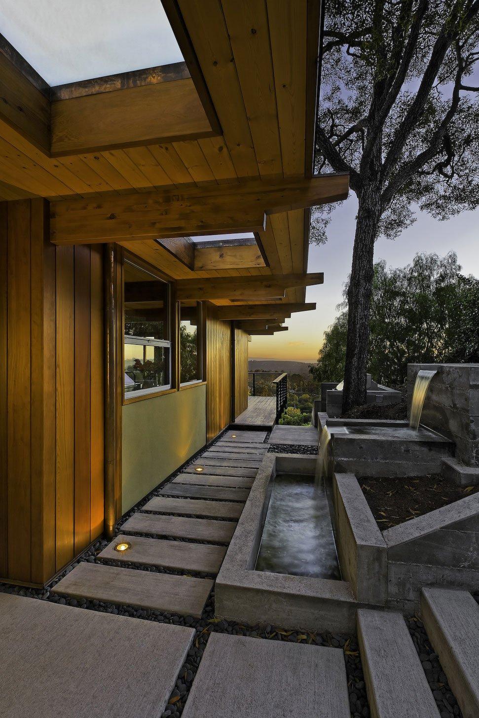 Mid-Century-Modern-Residence-01