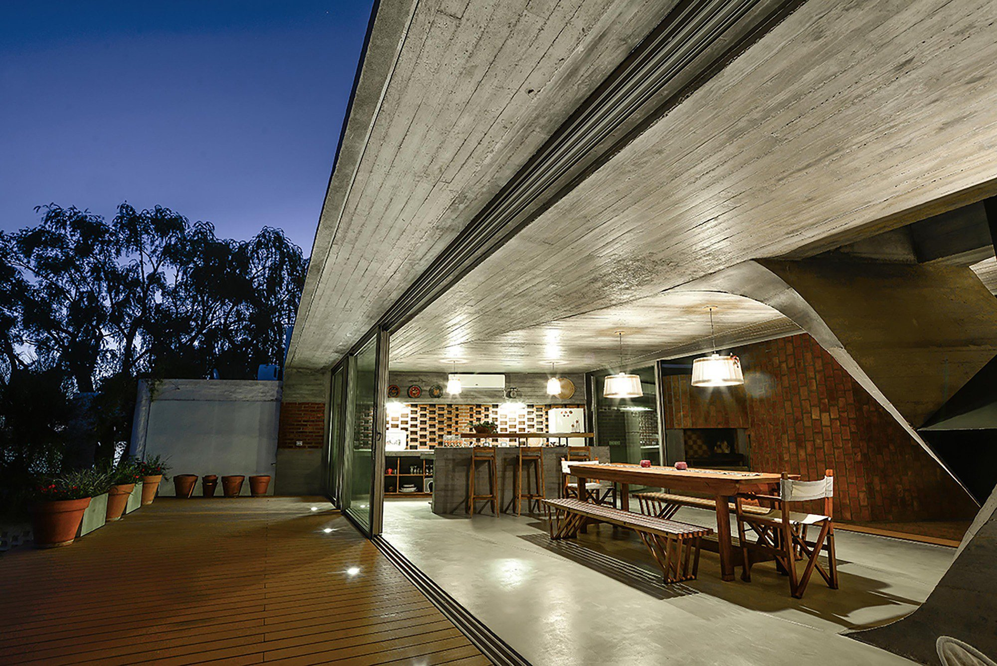 Single Architectural Column : One column house by ne ar caandesign architecture and