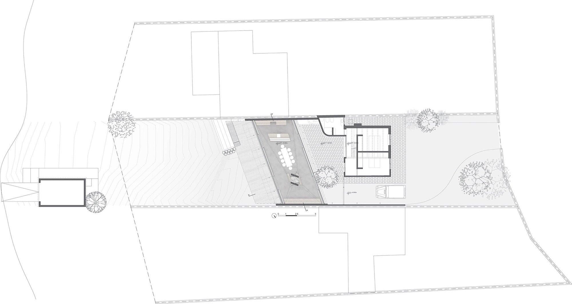 One-Column-House-16