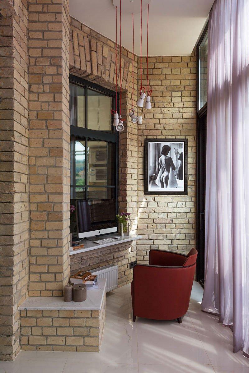 Podil-Loft-Apartment-18
