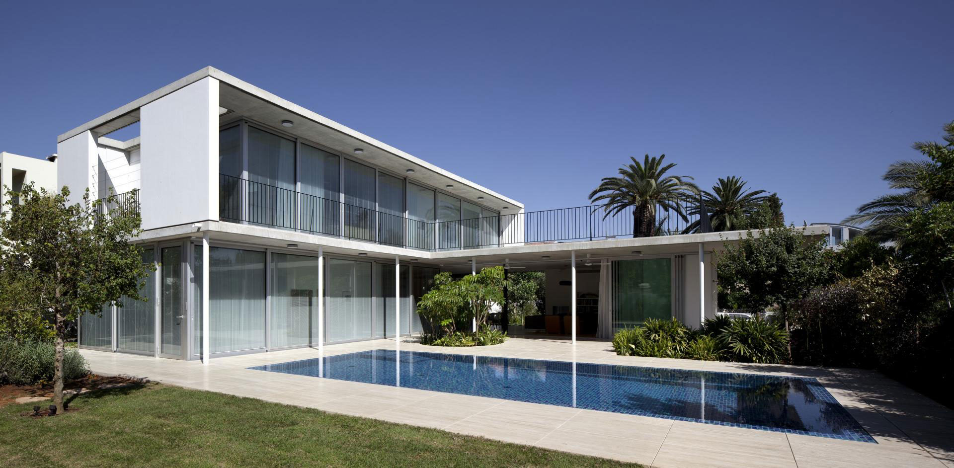 Private-House-in-Tel-Aviv-02