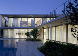 A House in Tel Aviv by Weinstein Vaadia Architects