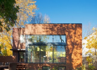 Renovation in Montreal by Anik Péloquin