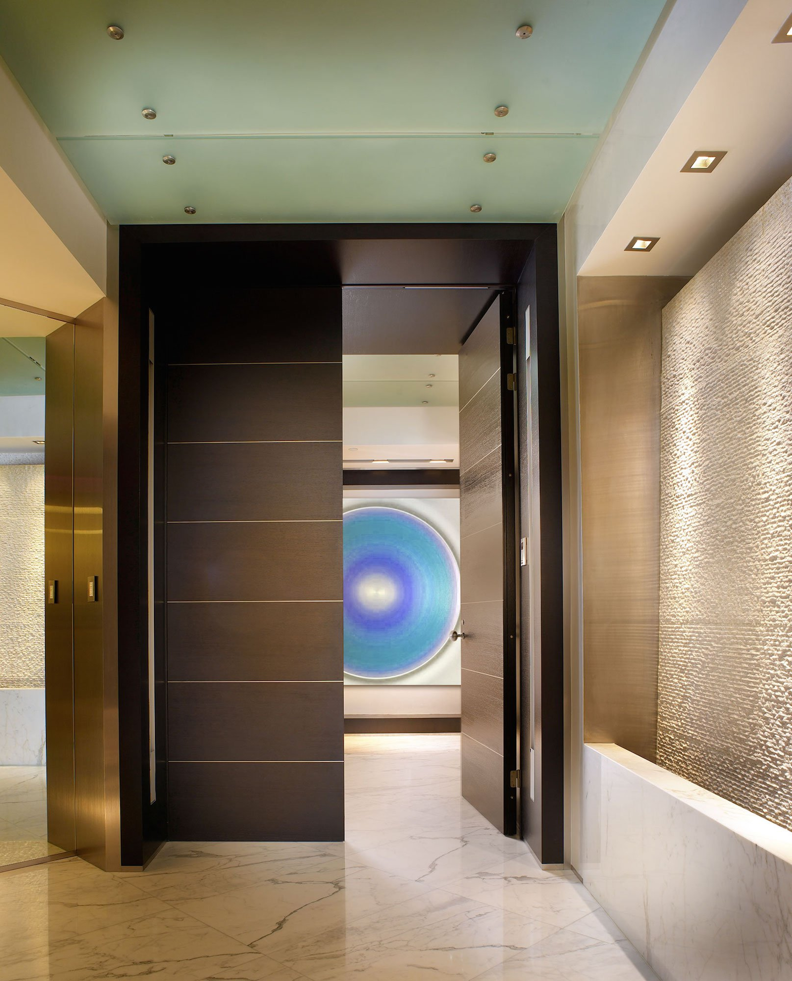 Residence in palazzo del mare by pepe calderin design for Entrance foyer design