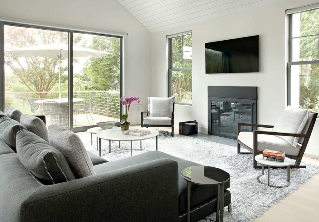 Sagaponack Cottage by Axis Mundi Design